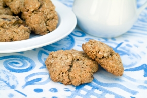 Oatmeal and date cookies 12 19 14_Large